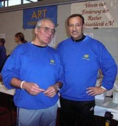 Bernd (re.) zusammen mit unserem 1. Vorsitzenden Gerhard Bruckhaus