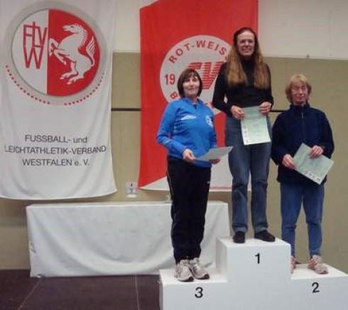 v.li.: Marlene Münch (Marathon Soest), Monika Müller (ART Düsseldorf) und Ingrid Nachtmann (VfB Salzkotten)