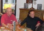 """Mit wem unterhalten sich Willi Jäckel und Monika Müller und worüber freut sich unsere Webmasterin besonders??> Antwort siehe unter Mitglieder-Porträts """"80. Fördervereinsmitglied""""."""